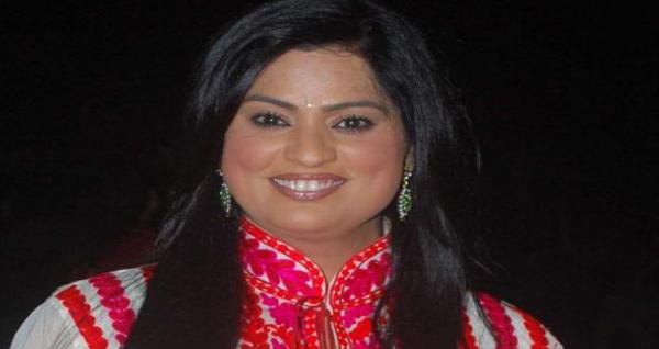 richa sharma singer